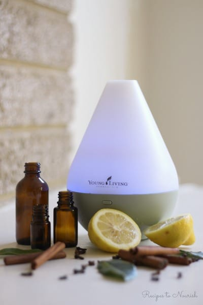 Fill your home with the scents of fall and the winter holidays naturally with these amazing, uplifting holiday diffuser recipes. | Recipes to Nourish