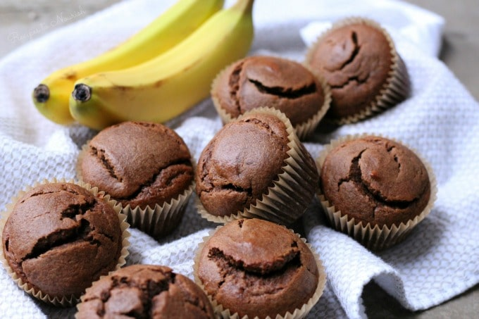 Grain Free Chocolate Banana Muffins are so soft, protein-rich, super easy to make, freezer friendly and full of that irresistible chocolaty banana flavor. | Recipes to Nourish