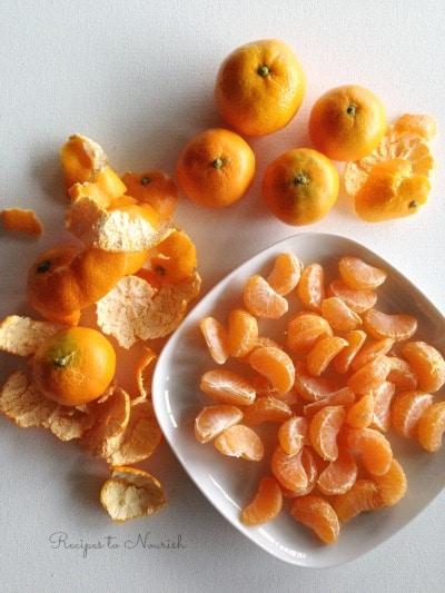 Mandarin oranges and mandarin slices.