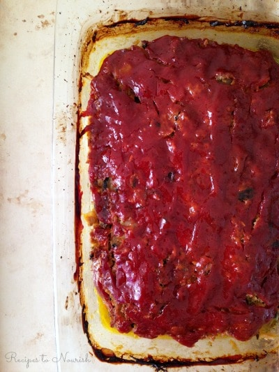 Nourishing Meatloaf ... this homestyle, classic, real food meatloaf is absolutely delicious, succulent, full of veggies and total comfort food. {Grain Free} | Recipes to Nourish