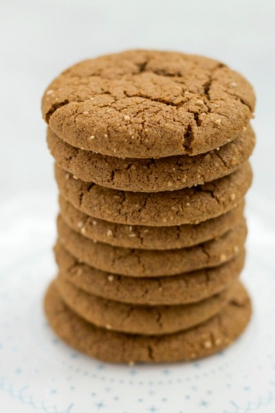 Grain Free Ginger Molasses Cookies are soft and chewy with the perfect crispy outside. Spicy and sweet, these tasty, real food cookies with no refined sugar are perfect for the holidays. | Recipes to Nourish