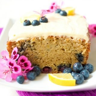 Cake for breakfast? Yes! This healthy, protein-packed, grain free, Lemon Blueberry Breakfast Cake is so delicious any time of the day. Make up a batch to have throughout the week, enjoy it for a weekend brunch, or share it with loved ones. | Recipes to Nourish