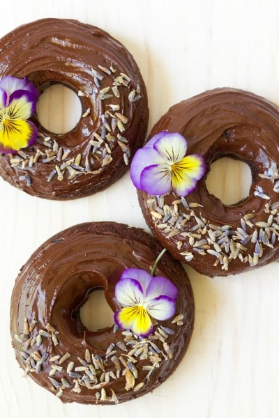 (Ad) There's nothing more fun than healthy, Grain Free Chocolate Donuts for breakfast!These delicious, soft and chocolaty real food donutsare baked to perfection and made with wholesome ingredients. They're Paleo friendly, nut free and have no coconut flour too! // Recipes to Nourish // Paleo Donuts   Grain Free Donuts   Cassava Flour Donuts   Paleo Recipes   Healthy Donuts //
