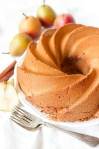 Grain Free Chai Spiced Pear Coffee Cake is the perfect treat for the cooler months and seasonal holidays. This heavenly coffee cake is soft with a moist crumb, deliciously spiced, packed with protein and brimming with anaturally sweetened crunchy topping.| Recipes to Nourish
