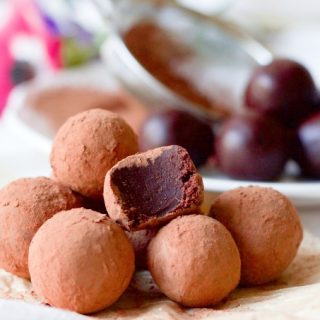 Cocoa dusted chocolate truffles.